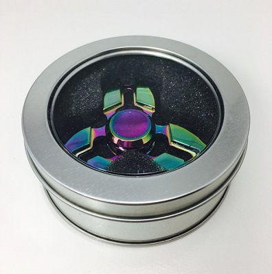 Spinner Tri Blade Rainbow in round tin